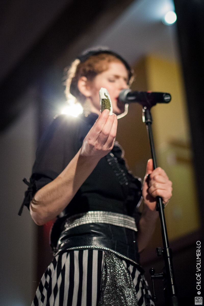 Icharlotte-marquardt-comdienne-chanteuse-banquet-des-familles-recomposesMG_0995